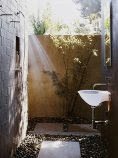 simple sink, good use of small space, outdoors