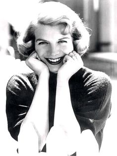 Rosemary Clooney, American jazz and popular music singer, film actress, author and philanthropist. Golden Age Of Hollywood, Vintage Hollywood, Hollywood Glamour, Hollywood Stars, Classic Hollywood, Rosemary Clooney, Nick Clooney, Star Wars, After Life