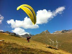 Gleitschirm Flugferien mit flybeo.ch im Engadin, Schweiz