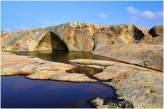 """Katedralen"" på Hvaler Norway Viking, Fredrikstad, Summer Paradise, Beautiful Islands, Art Tutorials, Vikings, Scotland, Travel Destinations, Coast"