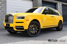 Rolls Royce Cullinan with Forgiato Blocco Wheels exclusively from Butler Tires and Wheels in Atlanta, GA - Image Number 11620 Voiture Rolls Royce, Rolls Royce Limousine, Top Luxury Cars, Luxury Suv, Super Sport Cars, Super Cars, Rolls Royce Models, Rolls Royce Cullinan, Rolls Royce Motor Cars