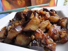 Garlic and onion caramelized eggplant de verduras cazuela guarniciones faciles Nut Recipes, Vegetable Recipes, Vegetarian Recipes, Cooking Recipes, Healthy Recipes, Salada Light, Food Porn, Eggplant Recipes, Going Vegan