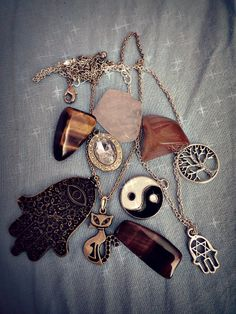 hamsa , ying and yiang , tree of life, hexagram, quartz, powerful stones, eye of tiger stone, eye of cat stone, necklace, cat, kitten, kitty