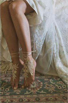 barefoot-sandle-wedding-shoes