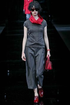 Twist. Emporio Armani Fall 2015 Ready-to-Wear - Collection - Gallery - Style.com