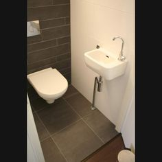 Huis en design on pinterest narrow dining tables wall hung toilet and toilets - Grijze gang ...