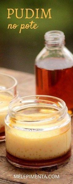Essa é uma receita para você preparar o tradicional pudim de um jeito charmoso e diferente. Esse pudim de leite condensado no pote é delicioso e fica lindo. Ingredientes: 1/2 xícara de açúcar 1 lata de leite condensado 1 lata de leite integral 1 colher (chá) de extrato de baunilha 1 gema 1 ovo 8 potes pequenos de vidro Modo de fazer completo no blog.