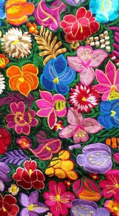 . Guatemalan Textiles, Mexican Textiles, Mexican Paintings, Mexican Pattern, Mexican Embroidery, Garden Embroidery, Mexican Flowers, Deco Boheme, Mexican Designs