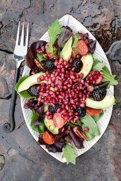 The anti-disease salad that everyone should eat once a week faciles gourmet de cocina de postres faciles pasta saludables vegetarianas Salade Healthy, Avocado Health Benefits, Vegan Recipes, Cooking Recipes, Going Vegan, Vegan Vegetarian, Food And Drink, Healthy Eating, Nutrition