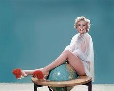 "laurasaxby: "" Marilyn Monroe photographed by Bernard of Hollywood, "" Marylin Monroe, Estilo Marilyn Monroe, Marilyn Monroe Photos, Joe Dimaggio, Lana Turner, Vintage Hollywood, Classic Hollywood, Hollywood Star, Hollywood Glamour"