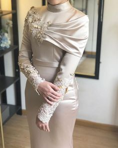 Apr 2020 - Hijab Style Hijab Fashion- Hijab Outfit Hijab Fashion Tesettür Nişanlık Modelleri 2020 Hijab Outfit, Hijab Prom Dress, Hijab Evening Dress, Hijab Style Dress, Hijab Wedding Dresses, Long Sleeve Evening Dresses, Prom Dresses Long With Sleeves, Formal Dresses, Outfit Style