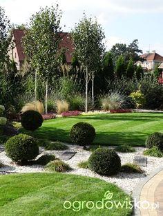 Organic Gardening In Containers White Pebble Garden, Back Porch Designs, Landscape Design, Garden Design, Side Yard Landscaping, Garden Forum, Italian Garden, Home And Deco, Dream Garden