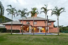 by MarchettiBonetti+ #architecture #arquitetura #bricks #garden #area #pool #house #palmtree #roof