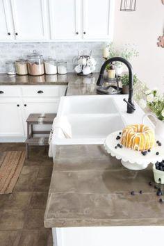 Awesome Kitchen Concrete Countertop Ideas 52