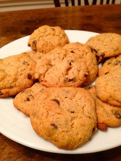 Gluten-free chocolate chip cookies! Yummmm...