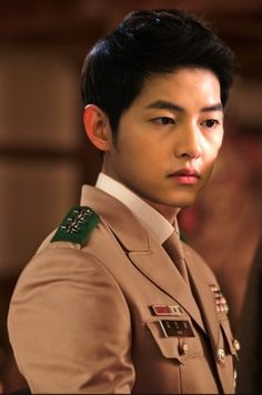 Song Joong Ki as Yoo Shi Jin in Descendants of the Sun