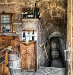Maybe the place where Rioja style changed? La Cueva del Contador #tourism #winetours #travel #wine #winelover #turismo #enoturismo #experience #winetastelovers #riojawine #gastronomía #visitSpain #vino #viaje #tapas #winetasting #instariojawine #gastronomy #instawinetours #winecountry #wineries #worldplaces #winetrip #winetravel #viajar #grapevines #winetourism #winetourist #lp