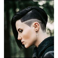 20 different versions of pixie. Pixie cuts for thick hair. Pixie cut with bangs. Pixie haircut for round face. How to style a pixie cut? Short Sides Haircut, Short Hair Cuts, Pixie Cuts, Shaved Side Haircut, Undercut Hairstyles, Pixie Hairstyles, Pixie Haircuts, Undercut Pixie, Long Haircuts