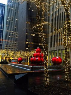 New York City Feelings - Avenue of The Americas by New York City Christmas, Visit New York City, Empire State Of Mind, I Love Nyc, Chrysler Building, City Girl, Places Around The World, Beautiful Places, Yorkie