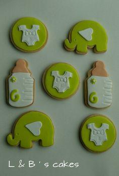 Pequeño variado de modelos de galletas para bautizo, quién dijo que sólo de azul quedan chulas para un niño?