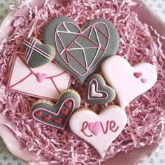 """""""Modern Love cookie gift set now available on etsy! ♡ #sugarcookies #royalicing #royalicingcookies #decoratedcookies #decoratedsugarcookies #customcookies…"""""""