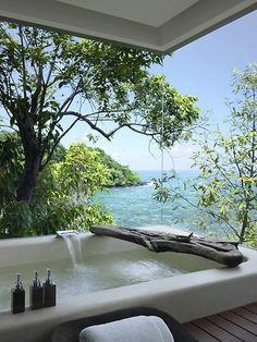 Divine - Song Saa Private Island, Cambodia - kan jaloezie niet onderdrukken; degene die hier woont is een baas
