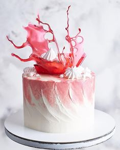 How cool would it be to incorporate this trick as water for a mermaid or pirate ship? Creative Cake Decorating, Creative Cakes, Easy Kids Birthday Cakes, Beautiful Cake Designs, Crazy Cakes, Colorful Cakes, Drip Cakes, Party Desserts, Cake Toppings
