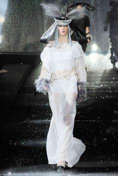 John Galliano Fall 2010 Ready-to-Wear Fashion Show - Anja Rubik