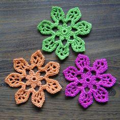 Three Tahiti Blossom crochet Flowers Square web