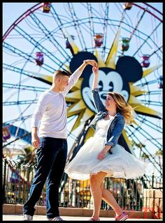 These Are The Most Magical Disney Inspired Wedding & Engagement Photos Ever: Take a spin in front of Paradise Pier's ferris wheel for the perfect Disney engagement pic! Disneyland Couples, Disneyland Engagement Photos, Disneyland Photos, Disneyland Trip, Disney Couples, Disney Trips, Disney Engagement Pictures, Wallpaper California, Disneyland Anniversary