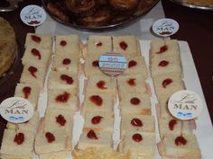 Sanduichinho de presunto e queijo