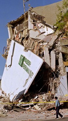 Remembering the Northridge earthquake of 1994 California Map, California History, Southern California, Earthquake Damage, Earthquake And Tsunami, Northridge Earthquake, San Francisco Earthquake, Strange Events, San Luis Obispo County