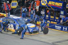 DARLINGTON 2015 CHASE IN THE PITS