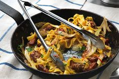 Cette recette plaira à toute la famille. Un trait de vinaigrette à la tomate confite et une pincée de piment rouge broyé, c'est tout ce qu'il faut pour relever parfaitement ce plat.
