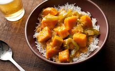 This Thai red curry recipe has kabocha squash, garlic, ginger, and green bell peppers simmered in a coconut-curry sauce.