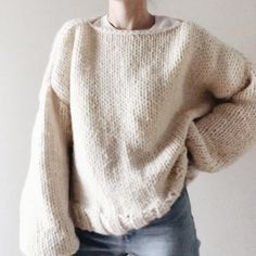 Jumper Knitting Pattern, Easy Knitting Patterns, Easy Sweater Knitting Patterns, Knitting Sweaters, Hand Knitted Sweaters, Knitting Designs, Chunky Knit Jumper, Chunky Knits, Oversized Jumper Outfit