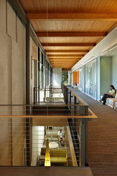 The Everett Clinic Smokey Point Medical Center; Smokey Point, Washington / ZGF Architects LLP © Benjamin Benschneider