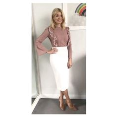 Holly Willoughby outfit: This Morning star recycles old Roland Mouret designer skirt and teams it up with BARGAIN 7 top Classy Work Outfits, Dressy Outfits, Stylish Outfits, Stylish Clothes, Work Clothes, Holly Willoughby Outfits, Holly Willoughby Style, Work Fashion, Fashion Outfits