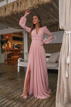 To locate the fabulous Spring Wedding Outfit thought through your body shape, this is the best rundown for you. Snap to see the full outline. Elegant Dresses, Beautiful Dresses, Casual Dresses, Chic Outfits, Dress Outfits, Fashion Dresses, Bridesmaid Dresses, Prom Dresses, Pageant Gowns