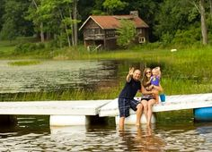 12 Bloggers Share Favorite Benefits to Outdoor Play | family+footprints