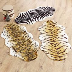 Animal Faux Fur Rug   Super Soft Faux Fur Animal Skin Rugs In Strong  Colours To