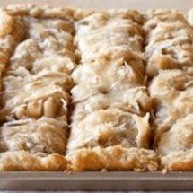 Yummy Apple Slab Pie - Quick Recipes Guide Granulated Sugar, Powdered Sugar, Pie Dessert, Dessert Recipes, Apple Slab Pie, Refrigerated Pie Crust, Apple Pear, Ground Cinnamon, Quick Recipes