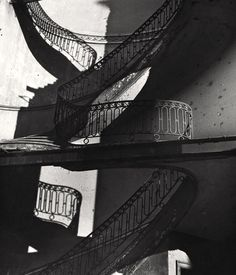 Bombed Staircase in Mayfair, London ca.1942.    Photo: Bill Brandt Bill Brandt Photography, Street Photography, Art Photography, Famous Photography, Brassai, Night Pictures, Foto Art, Man Ray, Museum Of Modern Art