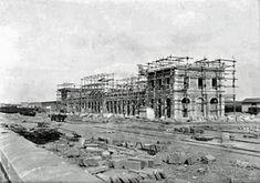 Estación de Campo Sepulcro, Zaragoza, 1895 Louvre, Building, Trains, Parking Lot, Zaragoza, Antique Photos, Country, Cities, Buildings