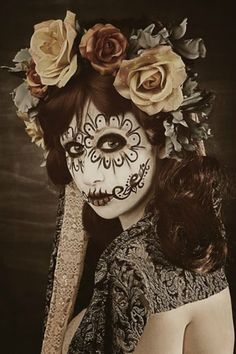 Crafty Lady Abby: BEAUTY: Dia de los Muertos Skull Makeup    http://craftyladyabby.blogspot.com/2012/10/beauty-dia-de-los-muertos-skull-makeup.html