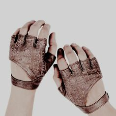 ((Fighter / brown / girl / boy)) Maybe these will stop me from breaking my knuckles again Star Wars Tattoo, Character Aesthetic, Character Design, Character Art, Artemis, Hawke Dragon Age, Markova, Piercing, Dnd Characters