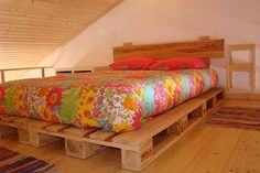 Cheap Home Furniture Ideas with Wooden Pallets Wooden Pallet Beds, Diy Pallet Bed, Diy Pallet Projects, Bed Pallets, Cheap Home Furniture, Pallet Furniture, Furniture Sets, Palette Diy, Diy Casa
