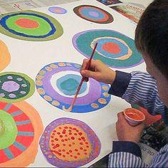 Espai de creació artística adreçat a nens, joves i adults, per tal d'experimentar amb el fang, la pintura i altres tècniques plàstiques.