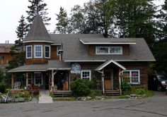 One of my Dream locations. Mermaid cafe/bookstore/B in Homer, AK. I feel in love instantly.