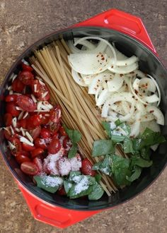 20 Minute One Pot Pasta with Fresh Tomatoes and Basil recipe by Barefeet In The Kitchen
